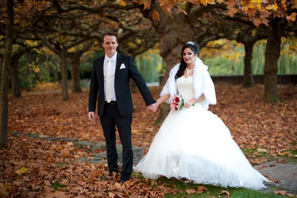 Shooting mit dem Brautpaar im Park