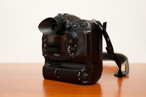 Nikon D200 von hinten