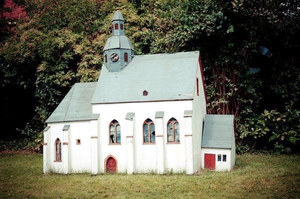 Hier sieht man ein Modell der Kirche in klein