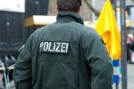 Polizist in der Kölner Altstadt