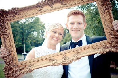 Hochzeitsfoto mit Holz-Rahmen als Alternative