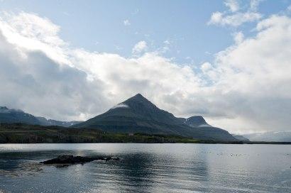 Vulkane durchziehen Islands Landschaft