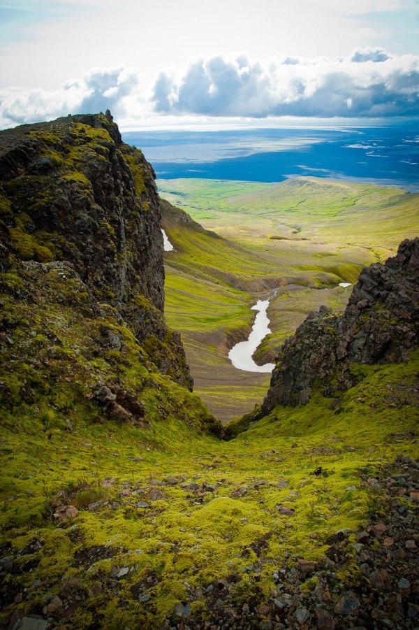 Tolle Aussicht vom Gipfel aus in Richtung Tal
