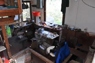 Blick von oben ins Innere der Hütte