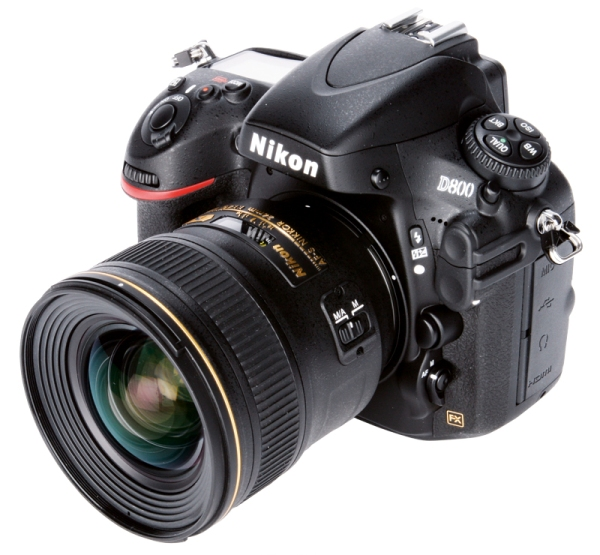 Nikon D800 mit Objektiv