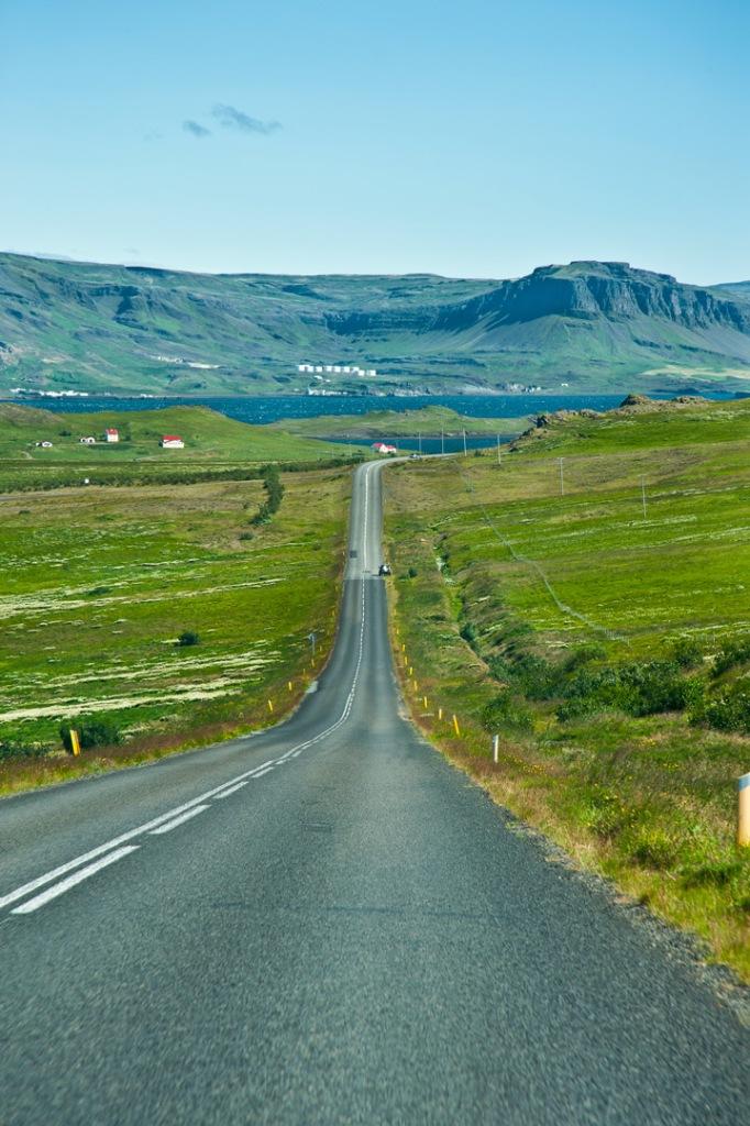 Gemütliches autofahren auf der A1 in Island.