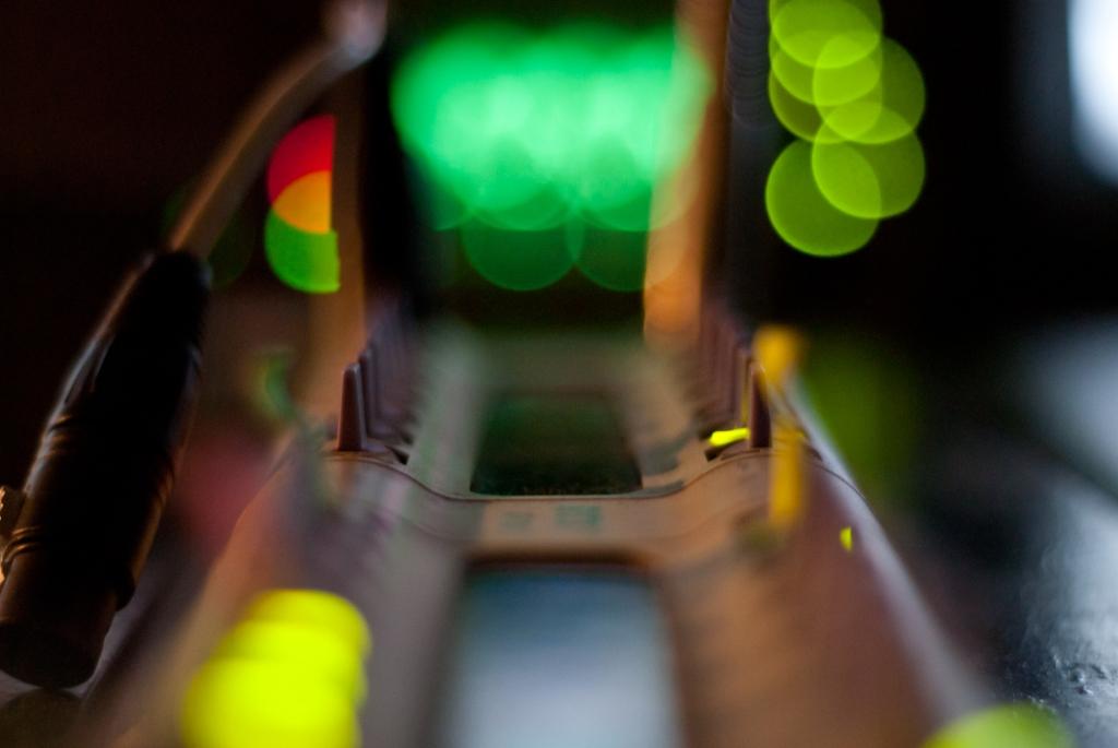 Mischpult mit der Offenblende des Nikkor 50mm f1,8 fotografiert